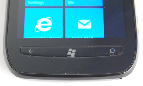 The single plastic button piece, which contains the three Windows Phone functions, doesn't help in differentiating the three shortcuts. We're not sure who made this silly design decision, but it should have been three discrete physical buttons to better aid in launching the respective functions in a jiffy.