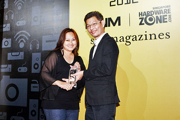 Panasonic was the winner of the Editor Choice awards for Best 3D Plasma TV, and Best DV Camcorder. On stage was Ms. Evelyn Wee, Manager, Marketing Communications, Panasonic Consumer Marketing Asia Pacific.