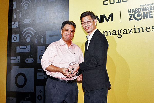 Sony has won five awards, including the Editor's Choice for Best Mirrorless Camera, Best High-end Headphones, and the Reader's Choice for Best Home Theater Projector Brand. Accepting the awards was Mr. Leon Pereira, Manager, Corporate Communications, Sony Electronics Asia Pacific.