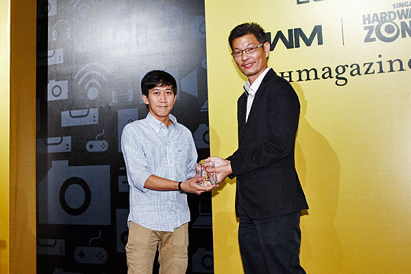 Yamaha won the Editor's Choice award for Best Sound Bar System. Accepting the award was Mr. Alex Low from Yamaha Music (Asia) Pte. Ltd.