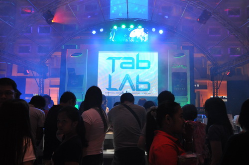 The Samsung Tab Lab was held in the Eastwood Mall Open Park and lasted from the mall's opening until well into the night.