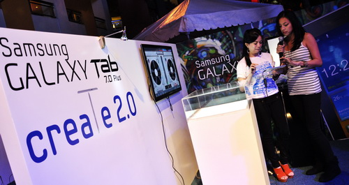 In the Create 2.0 area, Samsung representatives showed how easy it was to edit photos and videos right on the tablet after taking them with the built-in camera.