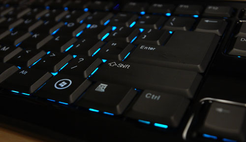 Light leaks are visible when viewed from the sides. However, they are hardly noticeable if the keyboard is positioned closer to the typist when in use.