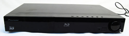 The XV-BD919FS rounds off the components of the Pioneer sound bar system and is capable of 3D Blu-ray playback.