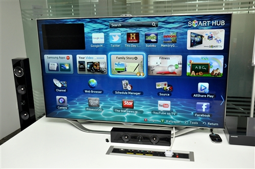 hands on samsung series 8 smart interactive tv. Black Bedroom Furniture Sets. Home Design Ideas