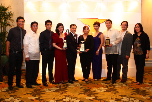From left to right: Stratworks Head Writer Ryan Caidic, HP Market Development Manager Eugenio Revestir Jr., Stratworks Senior PR Manager Harold Geronimo, HP IPG Marcomm and PR Manager Bea Aldeguer, HP IPG Country General Manager Armando Pascual, BSP Director for Corporate Affairs Fe Dela Cruz, HP IPG Consumer Sales Manager Charles Lizares, HP Commercial Sales Manager Gizelle Villacorta, Stratworks Art Director Darwin Lim, and Accounts Supervisor Cathy Albaniel.