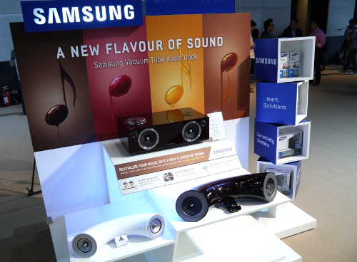 It's unlike Samsung not to explore a popular CE category. And true to form, the South Koreans will also be entering the audio dock market with two new models introduced during the event.