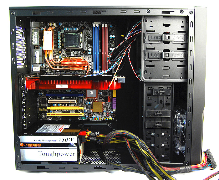 A look at the Cooler Master Elite 431 Plus with the major components installed. Clearly, the chassis is not short on space and can easily accommodate an 11-inch long graphics cards (such as the latest Radeon HD 7970 and GeForce GTX 680) with much space to spare.