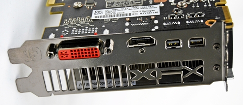 The XFX R7950 Black Edition features the AMD standard port configuration of one Dual-link DVI, one HDMI port and two mini DisplayPorts. Notice the XFX insignia of the metal bracket? It adds a pleasant aesthetic touch to the card, breaking the monotony of the linear ventilation ports.