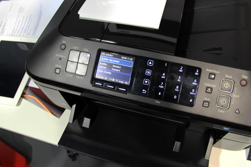 When the printer is in fax mode, the numeric keypad is displayed