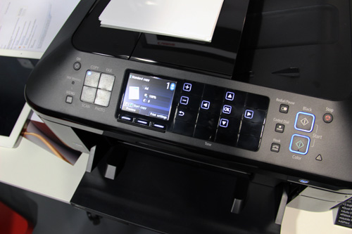 When the printer is in Copy mode, the numeric keypad is no longer required and is replaced by relevant controls