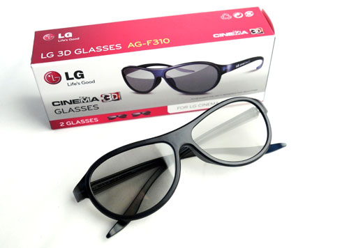 One of the advantages with regards to passive 3D TV technology is their awesomely light and comfortable eyewear. LG is throwing in four pairs of the AG-F310 with the LM9600 Cinema 3D TV.