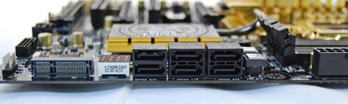 The SATA connectors are all black, making it difficult to identify which ones are SATA 6Gbps compliant unless you scrutinize the fine print on the board or read the manual. The SATA 3Gbps connectors are on the left, while the four SATA 6Gbps ones are those in the middle and right stacks.