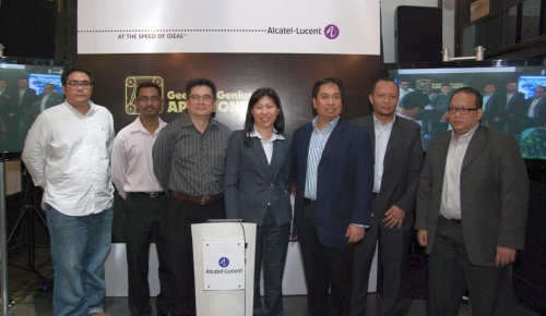 From L-R: Reza Razali, Founder and Managing Director, Terato Tech Sdn Bhd; Ravi Gopal, Head of Education, Astro; Ronald Byrne, Editor, StarBytz, The Star Publications; Ng Wan Peng, COO of MDeC; Mohd Fazlin Shah Mohd Salleh, President and Managing Director of Alcatel-Lucent Malaysia; Wan Murdani Wan Mohamad  Ir., Head of Digital Infrastructure Business Unit, Multimedia Development Corporation (MDeC); and Sheikh Raffie Abd Rahman, Advisor, Business Development, BERNAMA Systems & Solutions Advisor Sdn Bhd