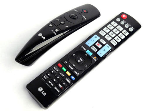 LG isn't prepared to ditch the standard remote, so you'll still receive the standard stick on top of the new Magic remote. The latter now features a scroll-wheel as well as dedicated buttons for 3D management and downloaded applications on My Apps.