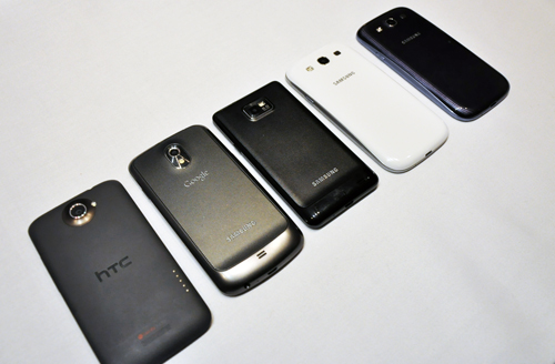 All the top dogs in a row - from left to right: HTC One X, Samsung Galaxy Nexus, Samsung Galaxy S II, and the Samsung Galaxy S III (White & Blue).