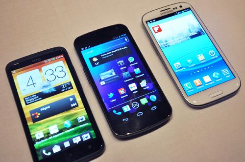 HTC One X (left), Samsung Galaxy Nexus (center), Samsung Galaxy S III (right).