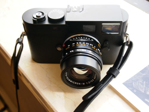 The M Monochrom has a clean top plate devoid of any Leica branding as compared to the original M9-P.