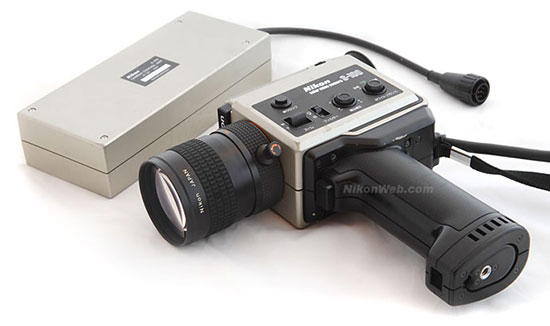 Nikon S100 (Image source: NikonWeb)