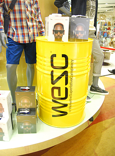 The WeSC launch event held at Tangs in Vivocity showed off the fact that headphones have now become an intergral fashion accessory in addition to providing audio.