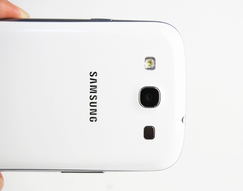 The Samsung Galaxy S III comes with an 8-megapixel camera with LED flash.