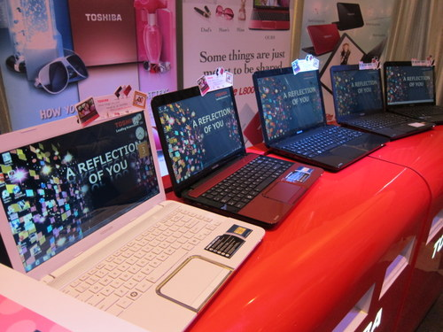 Getting an affordable notebook doesn't mean settling for an ugly and colorless notebook, says Toshiba with its L800 and C800 series notebooks.