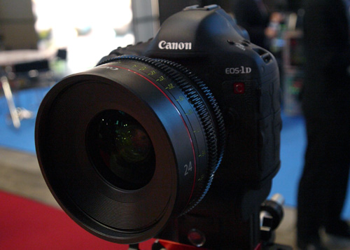 Canon's EOS-1D C not only shares similarities with its EOS-1D X cousin, but also features 4K video recording of up to 24fps on a 18-megapixel full-frame sensor.