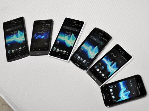 You probably need a discerning eye to tell the differences between the six phones but do let us spoon-feed you just this once. From left to right: Xperia Ion, Xperia Go, Xperia Acro S, Xperia Neo L, Xperia Miro and Xperia Tipo. Phew!