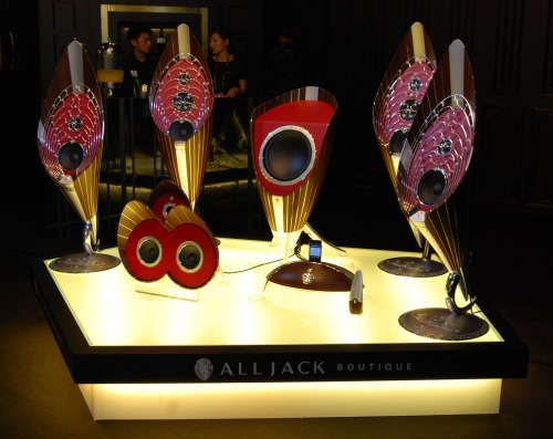 On the other end of the scale, we saw these luxury boutique speakers at the show. These Alljack speakers are truly exquisite masterpieces of workmanship.