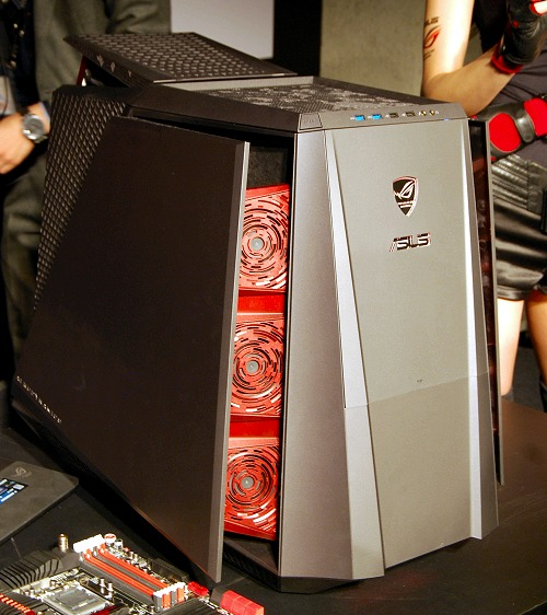 To be exact, ASUS claims the system has hundreds of vents and ten powerful crimson fans that augment its internal liquid cooling.