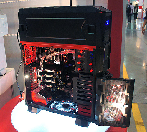 The CFI-A1068 is definitely one of, if not the largest, casings we've seen at Computex 2012.