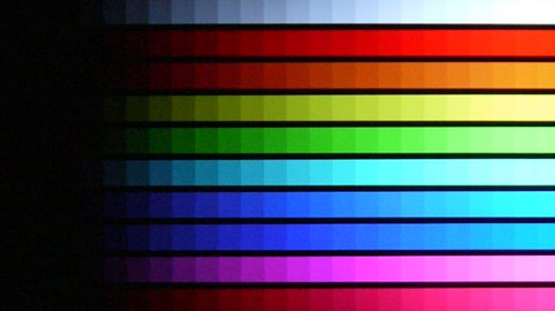 DisplayMate's Color Scales Test: The Bravia struggled with the darker scales, probably due to its dim backlights. However, it had no difficulty in rendering the brighter hues with ample precision.