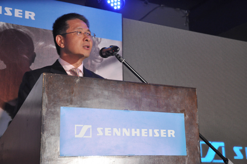 Ng Chee Soon, President and Managing Director of Sennheiser Electronic Asia greeting the crowd.