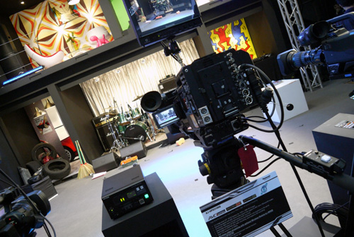 Similar to Sony, Panasonic has prepared detailed props to showcase the recording muscle of their professional broadcasting equipment. Shown here is the AJ-HPX3100G camera that holds two P2 card slots and also supports the AVC-Intra codec.