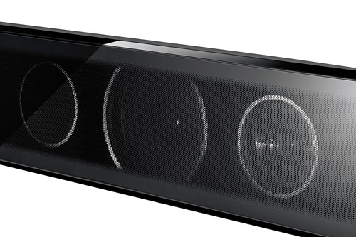 The front of each speaker takes on a glossy black finish, with a perforated, reflective steel mesh revealing the drivers behind (2.5-inch cone type for the woofer, and 1-inch semi-dome type for the tweeter).
