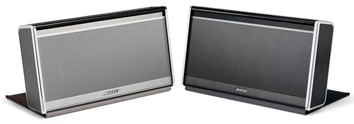 The Bose SoundLink comes in two versions. On the left is the premium leather encased model, while the right one is the regular model with the nylon cover.
