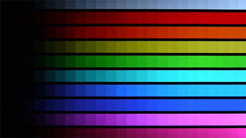 DisplayMate's Color Scales Test: The Viera ET5 managed the color gradations with suitable finesse, although slight color-shifts at the corners did not go unobserved.