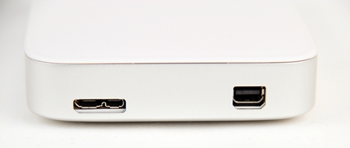 The USB 3.0 interface is on the left while the Thunderbolt interface is on the right.