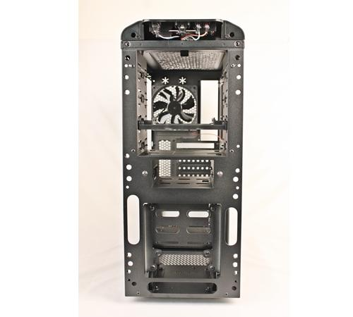 Users can opt to install a 120mm cooling fan that can be installed near the bottom front of the casing - ideal for hard drive cooling. Too bad it's not provided.