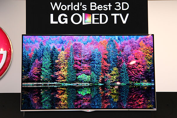 After showing it off for so long, LG's 55-inch OLED TV is selling in a few months' time.
