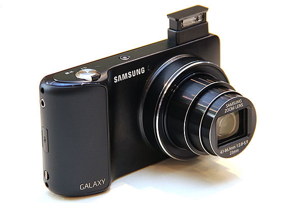 Besides squeezing in a 4.8-inch screen, and a 21x optical zoom lens, the GALAXY Camera also has a pop-up flash.
