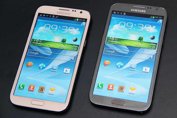 The new Samsung Galaxy Note II bears an eerie resemblance to its Galaxy S III cousin, even down to its colors. Would it follow in the latter's footsteps, and be available in more shades later? Only time will tell.