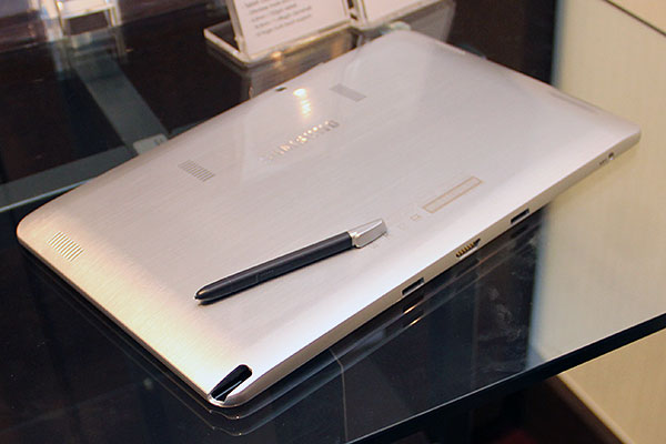 The S Pen for both machines is housed in a pen slot at the rear shell of the tablet.
