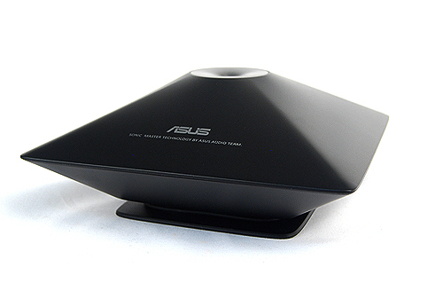 To boost the audio capabilities of the ASUS ET2411INTI, the unit comes bundled with a SonicMaster subwoofer, specially designed by ASUS' Golden Ear team. However its effectiveness in real usage is minimal and if you do want better audio from your AIO machine, our advice is to invest in a good dedicated speaker set.