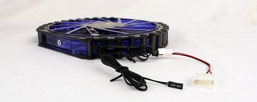 The BitFenix Spectre Pro 230mm fan draws power from the PSU and motherboard with its two different power connectors.