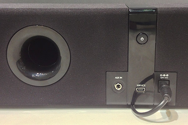 Here's the back view of the D5xm. It doesn't have an iPhone/iPod dock by the way.