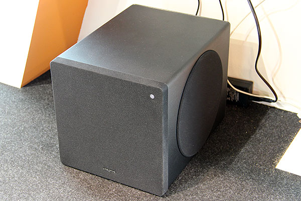 The DSxm subwoofer is designed specifically for the D5xm/D3xm wireless self-calibrating speaker system. Like most Creative subwoofers, it uses the company's SLAM technology.