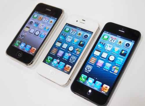 From left to right: Apple iPhone 3GS, iPhone 4/4S and iPhone 5