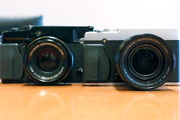 The X-E1 (right) is smaller than the X-Pro1 (left).