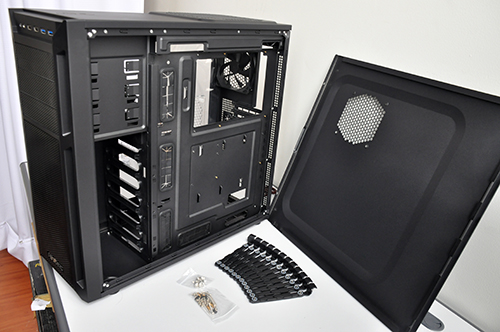 It has cable routing holes lined with rubber grommets and 36mm of space behind the motherboard tray.